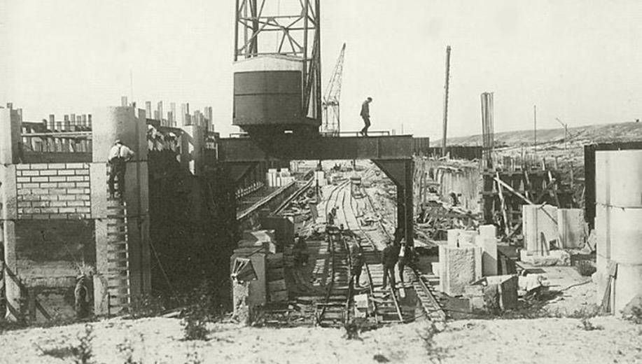 6-1928-bouw-Stevin-schutsluis-bij-Den-Oever